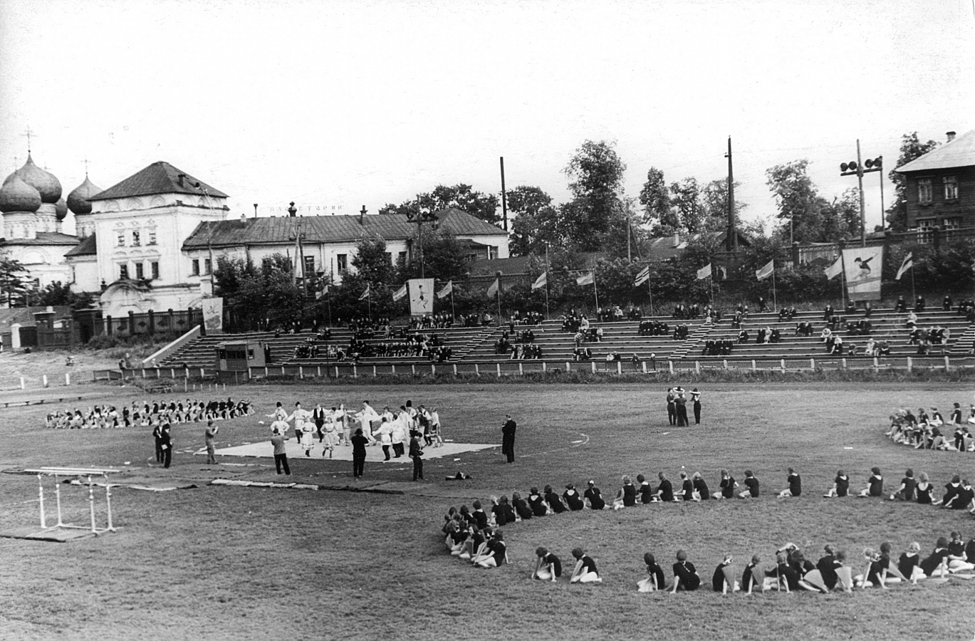 Стадион трудовые резервы в гор кирове картинки